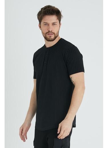 XHAN Hardal Düğmeli Likralı T-Shirt  Siyah
